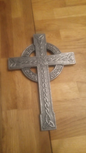Celtic Cross measures $20