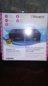 DIGITAL TV CONVERTER BOX WITH PERSONAL RECORDER