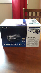 Sony HDR-XR500V Handycam High Def Camcorder with Accessories
