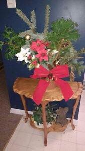 FRESH CUT HOLIDAY PLANTERS Stratford Kitchener Area image 1