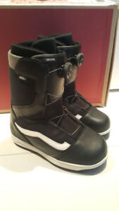New condition youth unisex Vans BOA snowboard boots US6