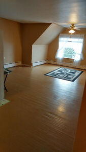 Large 2BR w/ balcony available July 1st