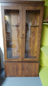 Gun Cabinet with Glass Doors  - Holds 8 - good condition