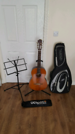 Guitar Yamaha C40 with accessories