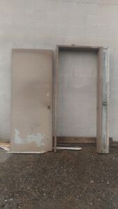32 inch wide door in wooden frame to fit 40 inch opening