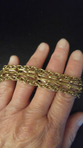 Beautiful 10K Ladies Gold Bracelet