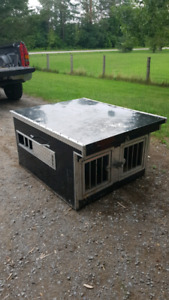 Dog Box/Kennel for sale!