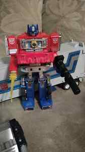 Transformers G1 Optimus Prime Reissue Figure