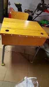 Wooden student desk (pupitre) West Island Greater Montréal image 3