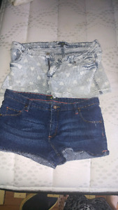 Size 15 womans shorts.g21