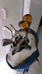 Set of Titleist Lite 100 Golf Clubs with Leather Bag