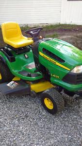Tracteurs John Deere LA 135