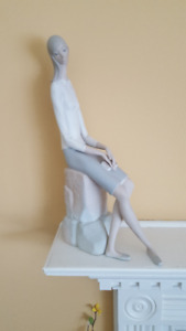 Vintage Lladro Tall Slender Girl Sitting With Book