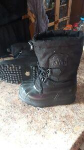 Kids Sorel Boots – Size 1
