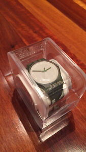 AUTHENTIC SWATCH WATCH - ROUGH GREEN MINT CONDITION