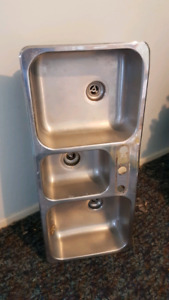 Triple stainless kitchen sink