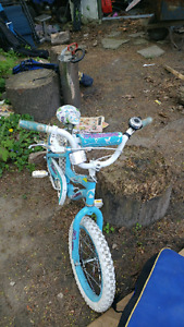 Girls bike (age 5-7)