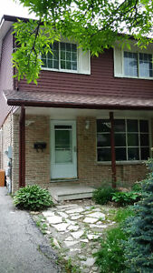 Cole Road 4 Br / 2.5 Wash.R / Avail from June or July 1875+Util