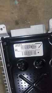Electronics from 2004 Chevy avalanche Kingston Kingston Area image 6