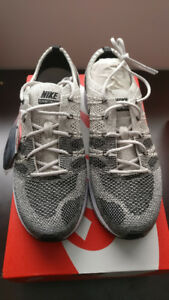 Nike Flyknit Trainer Pale grey Mens Size 8.5