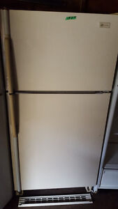 ALMOND COLOR FRIDGE 100.00, clean, works well, Delivery availabl