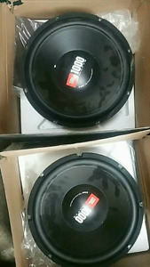 "2 12"" JBL 1000 watts Gt series subs"