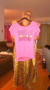 Material Girls workout shirt pink size large West Island Greater Montréal image 1