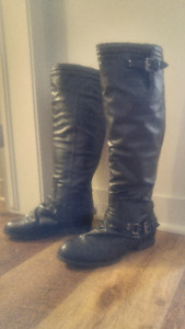 BRAND NEW BLACK BOOTS SIZE 6