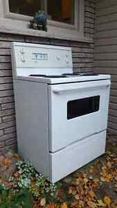 Stove - clean, good working condition Kawartha Lakes Peterborough Area image 3