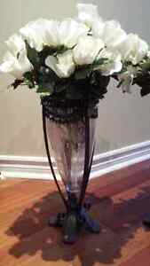 two beautiful decorative vase with a flower West Island Greater Montréal image 2