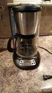 Coffee maker kijiji free classifieds in oshawa durham for Apartment coffee maker