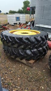 380/90R46 Goodyear ultra sprayer tires & wheels 4 a John Deere