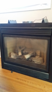 *LIKE NEW* GAS FIREPLACE (DIRECT VENT)