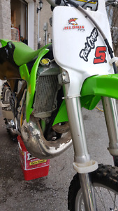 *COME PICK IT UP* 2002 kawasaki kx250 with riding gear
