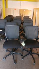 Humanscale Diffrient ergonomic Mesh Office Swivel Chairs 16 left