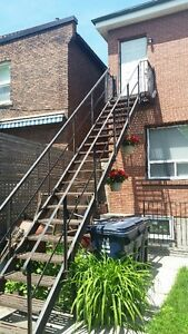 Beautiful 1 Bedroom Roncesvalles Villiage Apartment