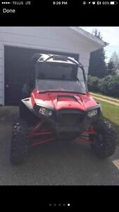 2011 Polaris rzr 900xp - comes with 3rd seat