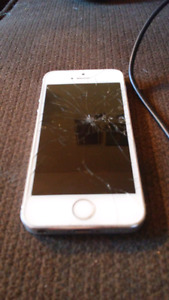 Cracked iPhone 5s Rogers