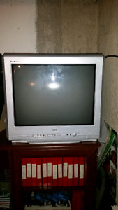 20 inch picture tube tv for sale. ($20.00, or best offer.).
