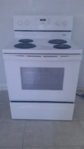 "WHIRLPOOL 30""STOVE ELECTRIC WHITE"
