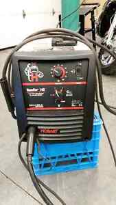 Hobart Handler 140 Gas and Gasless MIG Welder