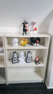 Small Billy Book Shelf from Ikea.