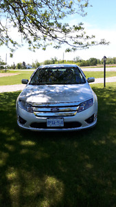 Ford Fusion SEL Sedan (2011) with low kms (66,000)