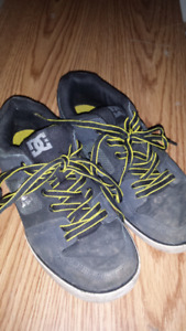 DC board style runners men's size 7