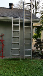 11 FT ALUMINUM EXTENSION LADDER - GOOD CONDITION