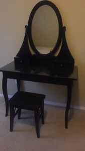VANITY TABLE WITH MIRROR AND STOOL - LIKE NEW!!