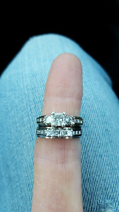 Diamond ring set with appraisal & gemological report