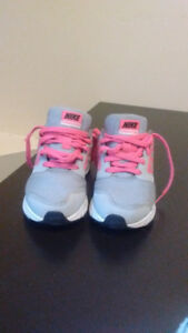 Kids/girls Nike air shoes