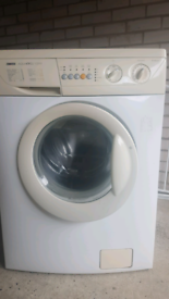 Free delivery in Croydon Zanussi washing machine good working order