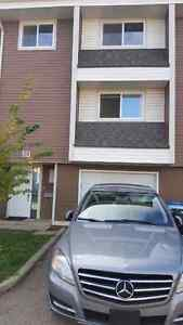 4 BR Townhouse with Free Gym Access